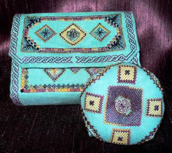 Celtic Sewing Box (w/box & chm)