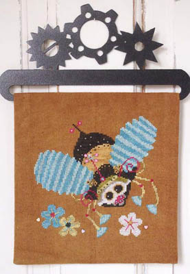 Steam Punk Bumble Bee (includes buttons)