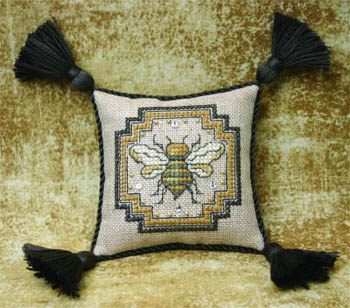 Bee Pincushion - Teenie Tweenie (includes charms)