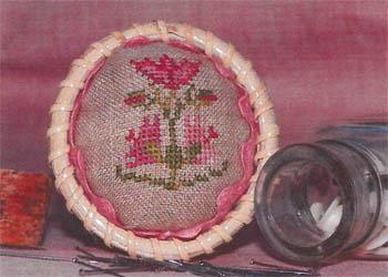 Flower Pincushion Topper (w/rick rack)