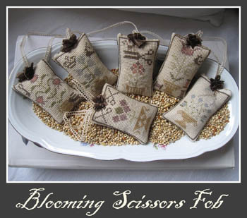 Blooming Scissors Fob